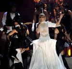 taylor-swift-brit-awards-performance-10