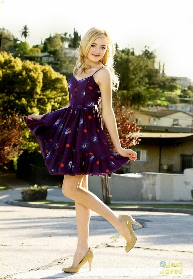 "Spring Style Reportage with ""Jessie"" Star Peyton List"