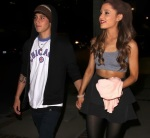 ariana-grande-jai-brooks-hold-hands-in-hollywood-01