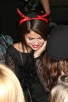 selena-gomez-birthday-cake-pictures2