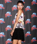zendaya-planet-hollywood-appearance-00
