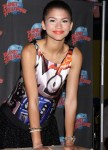 zendaya-planet-hollywood-appearance-05