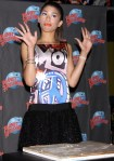 zendaya-planet-hollywood-appearance-13