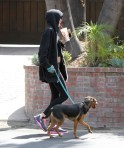 Miley+Cyrus+Takes+Dog+Walk+3IHMVzrXlHrx