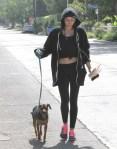 Miley+Cyrus+Takes+Dog+Walk+n3Bezejuv_Vx